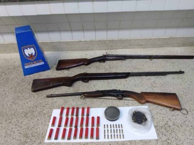 PM apreende três armas no interior de Guarapari